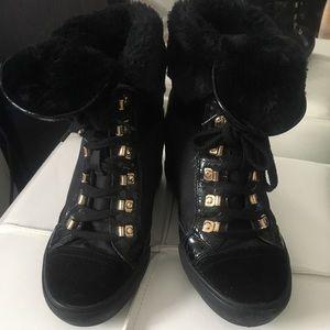 Women's short high arch boots